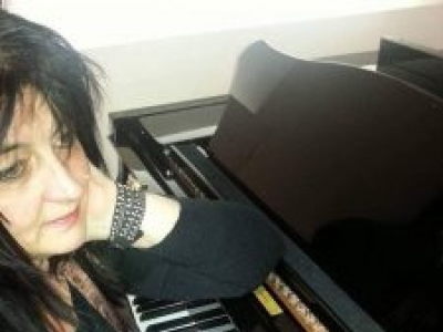 Svetlana Bosanac: Piano and Keyboard teacher