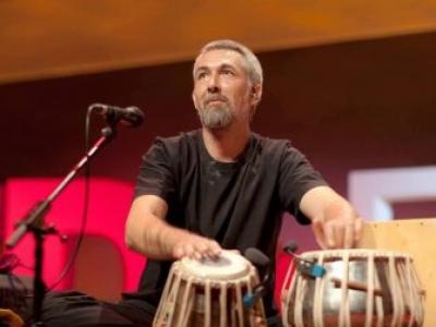 Jon Sterckx: Tabla and world Percussion