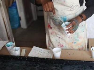 Vicki Opomu: Spray Paint Workshop